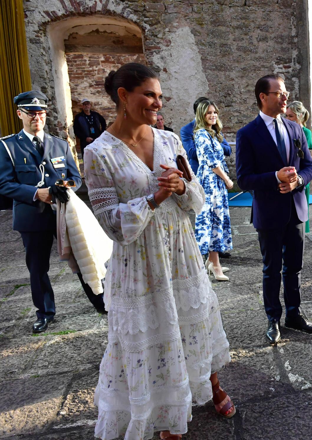 Victoriadagen 2020 Victoria i en klänning från By Malina
