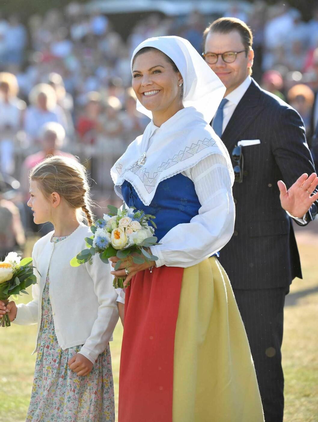 Kronprinsessan Victoria i sin Ölandsdräkt från Räpplinge socken. Räpplingedräkten.