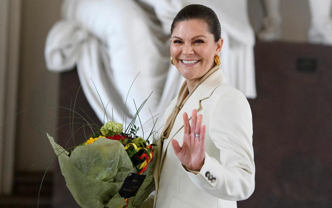 Blommor på sin namnsdag – som kronprinsessan förtjänar!