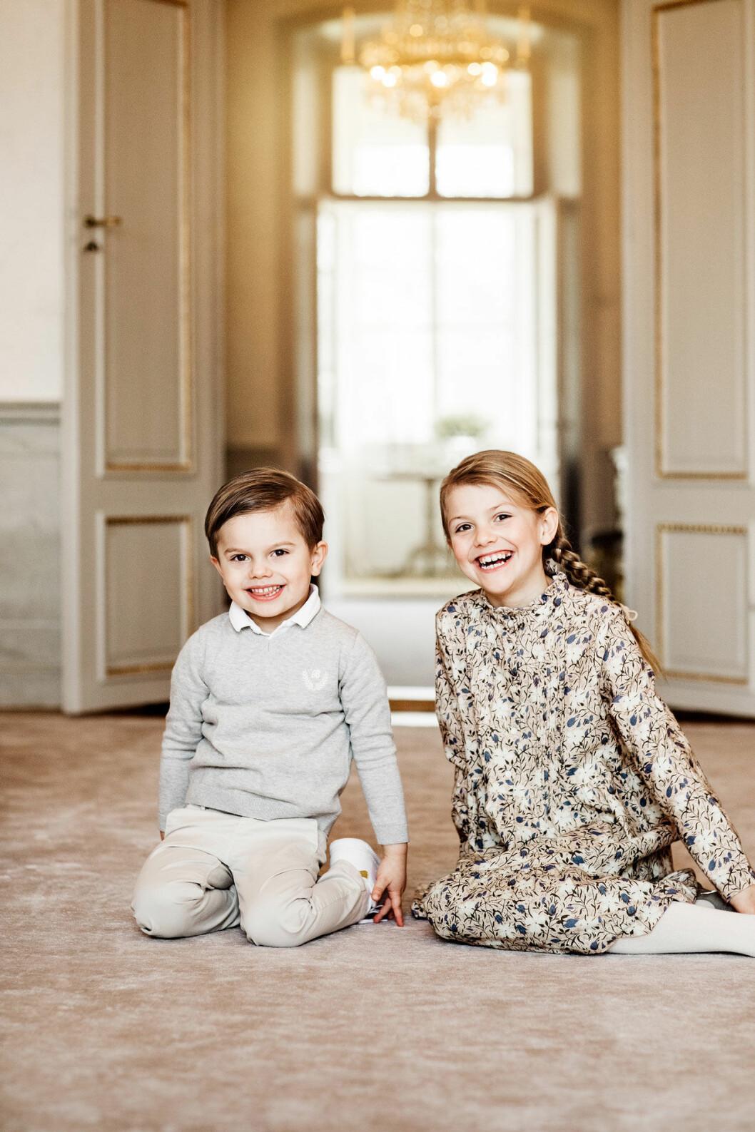 Prinsessan Oscar och prinsessan Estelle på Haga slott 2020.