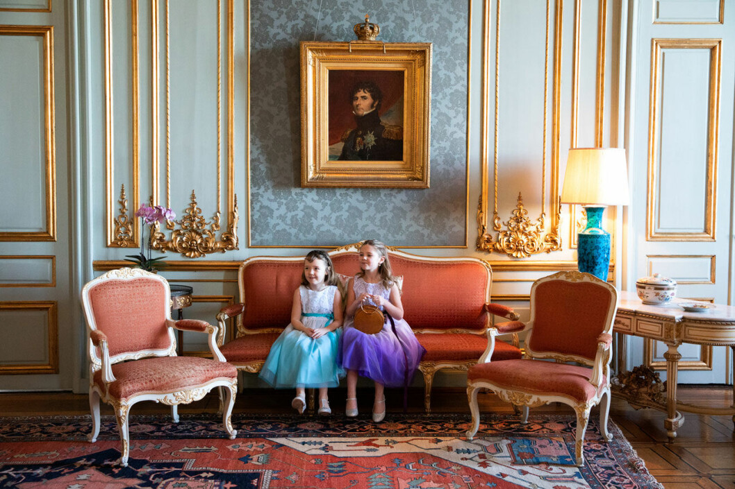 Cancersjuka Emilia och hennes syster Maja fick komma till slottet och träffa kronprinsessan Victoria, genom Min Stora Dag.