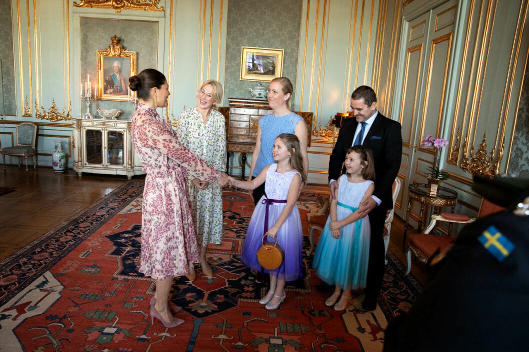 Cancersjuka Emilia och hennes familj träffade kronprinsessan Victoria på Kungliga slottet, genom Min Stora Dag.