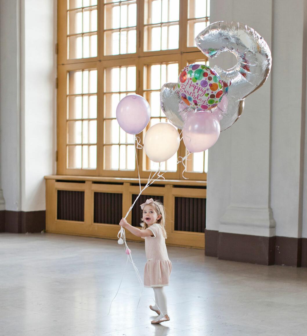 Hovets officiella bild på prinsessan Leonore på 3-årsdagen 2017.