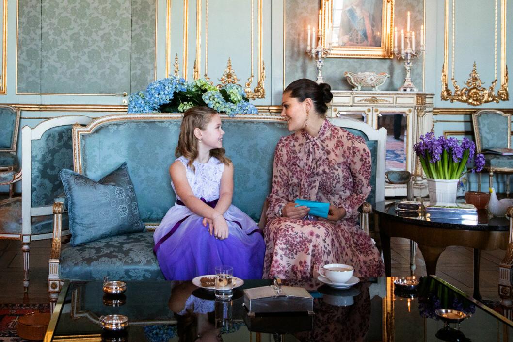 Cancersjuka Emilia fick kronprinsessan Victoria, ett hjärtevärmande möte på Kungliga slottet.