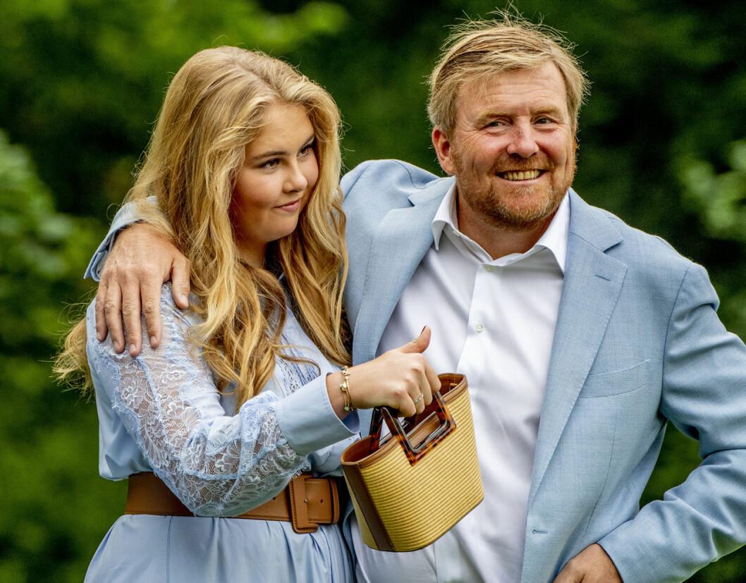 Kung Willem-Alexander och dottern Amalia